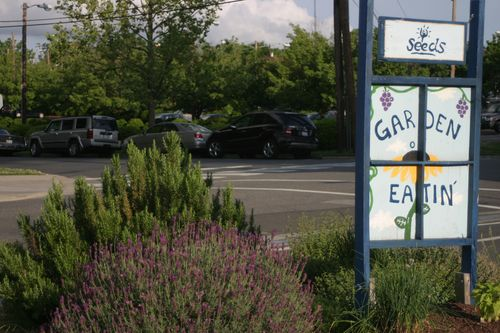 Garden of Eatin, sign